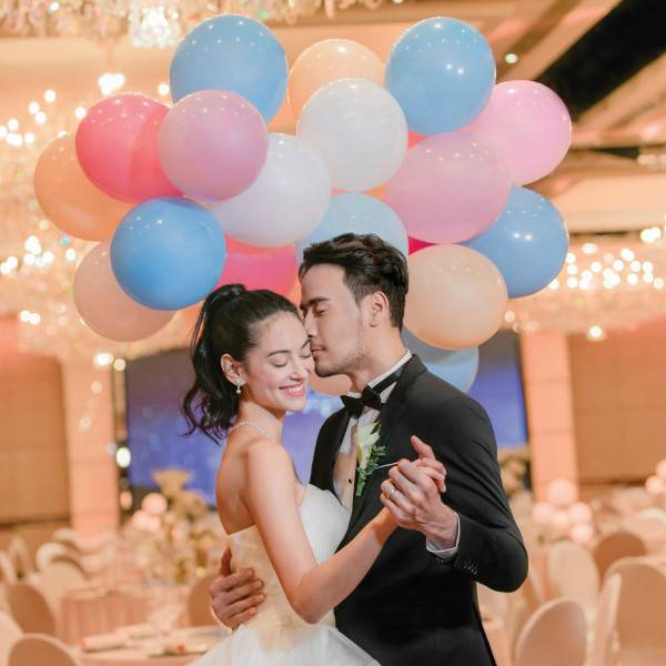 Wedding couple at Ballroom (Balloon theme)