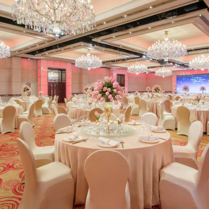 Ballroom with lighten theme